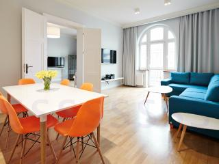 Two bedroom with Balcony - Crownhill Apartments, Krakow