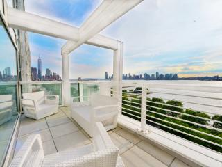 New Listing! Luxurious 2BR New York City Apartment w/Private Jacuzzi, Large Balcony & Breathtaking Hudson River/City Views - Unbeatable West Village Location! Minutes from Everything!