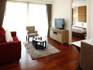 Amazing 1 BR Suite Downtown Bangkok