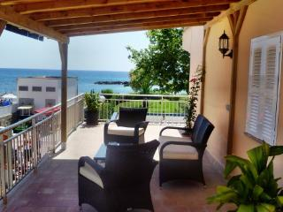 Apartment sea view 20 mtrs from beach 4 persons, Cala Bona
