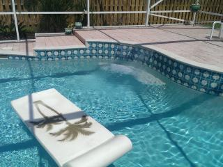 Vacation monthly rental, beautiful pool home furni, Tequesta