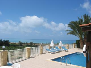 Hospitality, view to the ocean, serenity, bungalow, Peyia