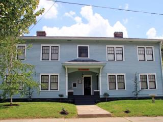 Victorian Area Event Home 12BDs 4BA Great Location, Louisville