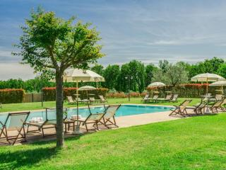 Apartment  Fienile in a Country House in Tuscany, Tavarnelle Val di Pesa