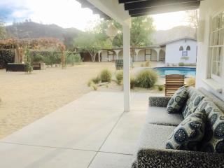 Pool House in North Griffith Park, Glendale