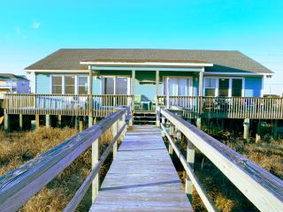 Oceanfront Cottage with Private Beach Access in EI, Emerald Isle