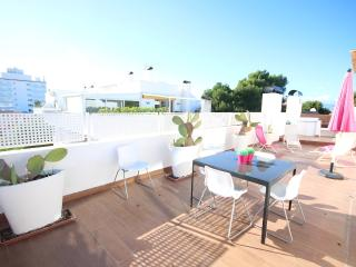 Chic Penthouse apartment Pinos 1 near the beach, Can Pastilla