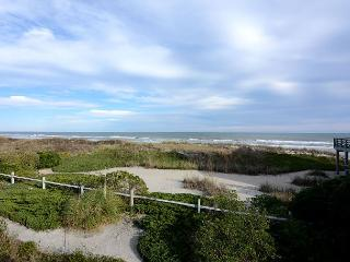Giggigan's-Enjoy a relaxing vacation at this ocean view home on the north end, Wrightsville Beach
