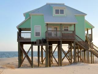 Strand Castle- Large Gulf-Front home with Game Room and Private, Heated Pool, Dauphin Island
