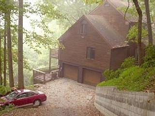 Asheville private cedar lodge eye-popping vistas