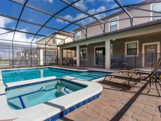 Gorgeous Home/Pool with Spa, Minutes to Disney, Davenport