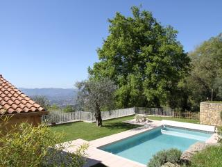 Villa with Pool And Panoramic Coastal View, Quiet, Chateauneuf de Grasse
