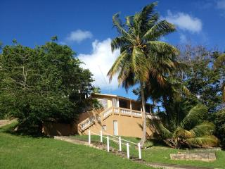 Bright, open house just steps from the beach., Isla de Vieques