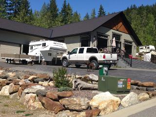 Your 4 Seasons Get-A-Way, Sicamous