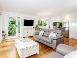 Absolute Beach Front in French Bay, Titirangi
