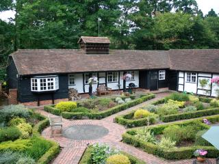 Country cottage nr Guildford/Woking & London, Worplesdon