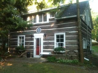 Log cottage in Gobles Grove, Bruce Peninsula
