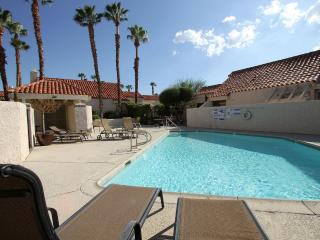 LocationUpgraded2 MasterWiFi,Pool,FreeUS&CA phone, Palm Desert