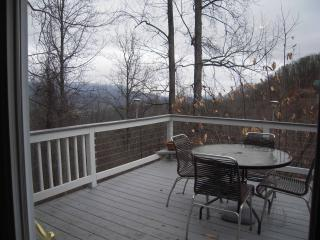 Hideaway Condo with a GREAT VIEW!, Pigeon Forge