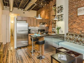 Downtown Nashville Loft, Walk to All Nightlife, Food & Attractions