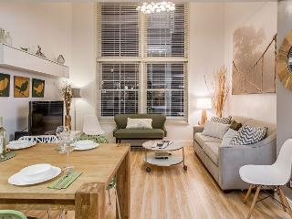 Harmony Loft, Walk to All Downtown Nashville Nightlife & Attractions!