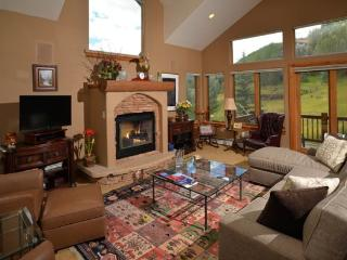 Terrific 3 bedroom vacation home that is loaded with high-end finishes., Vail