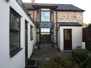 Detached,3 double bedroomed cottage, Wrexham