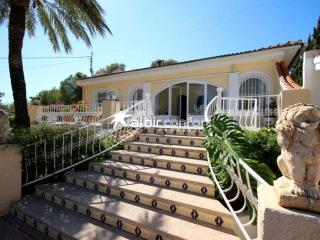 Spacious Villa with separate Apartment Sleeps 12, La Nucia