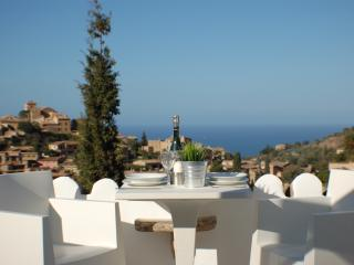 Stunning Village House With Roof Terrace, Deia