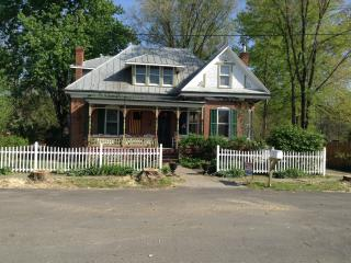 1880 Victorian private house in the country, Hermann
