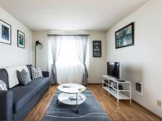 1 BD Apt in Capitol Hill, Seattle