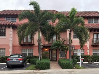 Beautiful one bedroom - available April 10, Lauderdale by the Sea