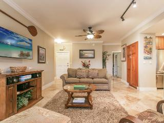 Poipu Sands 412 Beautiful Ground Floor 2 bed/2 bath steps away from Shipwreck Beach on the beautiful greenbelt. Free car with stays 7 nts or more*