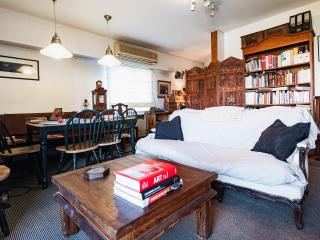 Room rent in shared apt in front National Congress, Buenos Aires