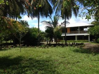 Nice and cool beachfront house in Bandera, Parrita