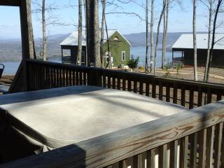 beautiful view reasonable rate hot tub fireplace, Chattanooga