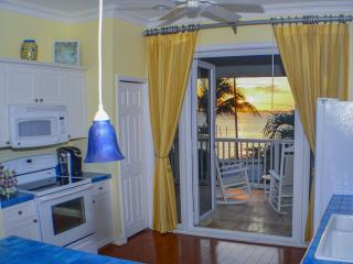 Sea Grapes Home,Oceanfront, Flexable 3-4 bedrooms, Vero Beach