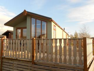 Two bedroom lodge with Leisure facilities, Carnforth