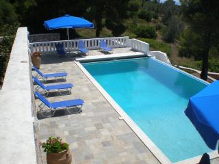 Luxury villa with pool and sea  views, Alonnisos