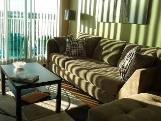 Clean, Updated 2bed/2bath at the Tides, Fort Lauderdale