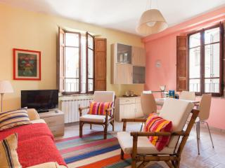 2nd floor two-rooms apt, free wi-fi, Marsciano