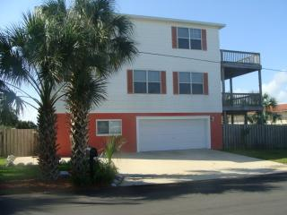 Beautiful Home with Heated Pool and Hot Tub, Saint Augustine