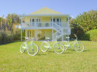 Daisy Mae Beach Home, Ocean Front, Pet Friendly, Vero Beach