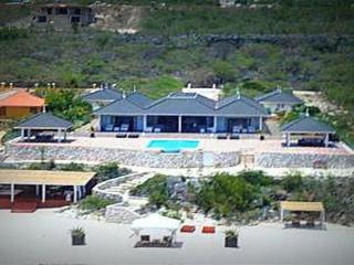 Villa Playa Tropical - With private beach, Willemstad