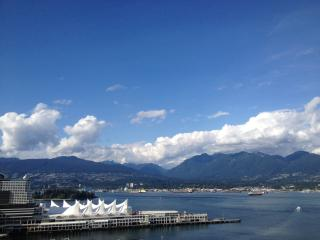 Downtown, 2 Bed, 2 Bath Condo w/ Stunning Views, Vancouver