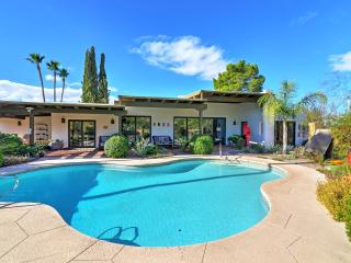 New Listing! Spacious 3BR Tucson Home w/Wifi, Private Pool,  Upscale Kitchen & Beautifully Landscaped Exterior – Centrally Located, Just 4 Minutes from La Encantada & St. Phillip's Plaza!