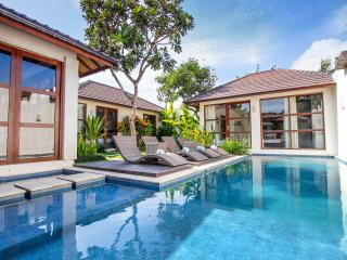 Villa Enam - 3 Bedrooms - ON SALE!!, Legian