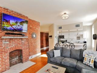 New Listing! Historic & Spacious 2BR Indianapolis Condo w/Wifi, Private Balcony & Remarkable Views of the City Skyline - Just 5 Blocks from Downtown, Mass Avenue & More!