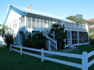 Newly Renovated Beach House; Family Reunions, North Myrtle Beach