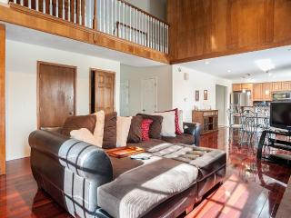 Private bedroom fantastic location in the DTC area, Greenwood Village